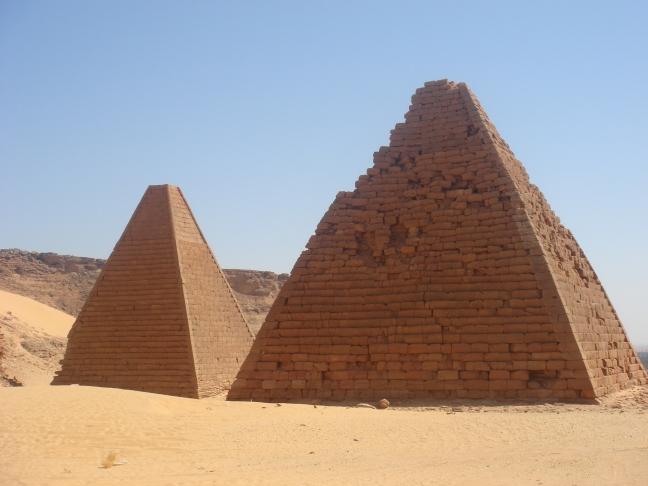 Pyramides. Gebel Barkal et les sites de la région napatéenne (Soudan)