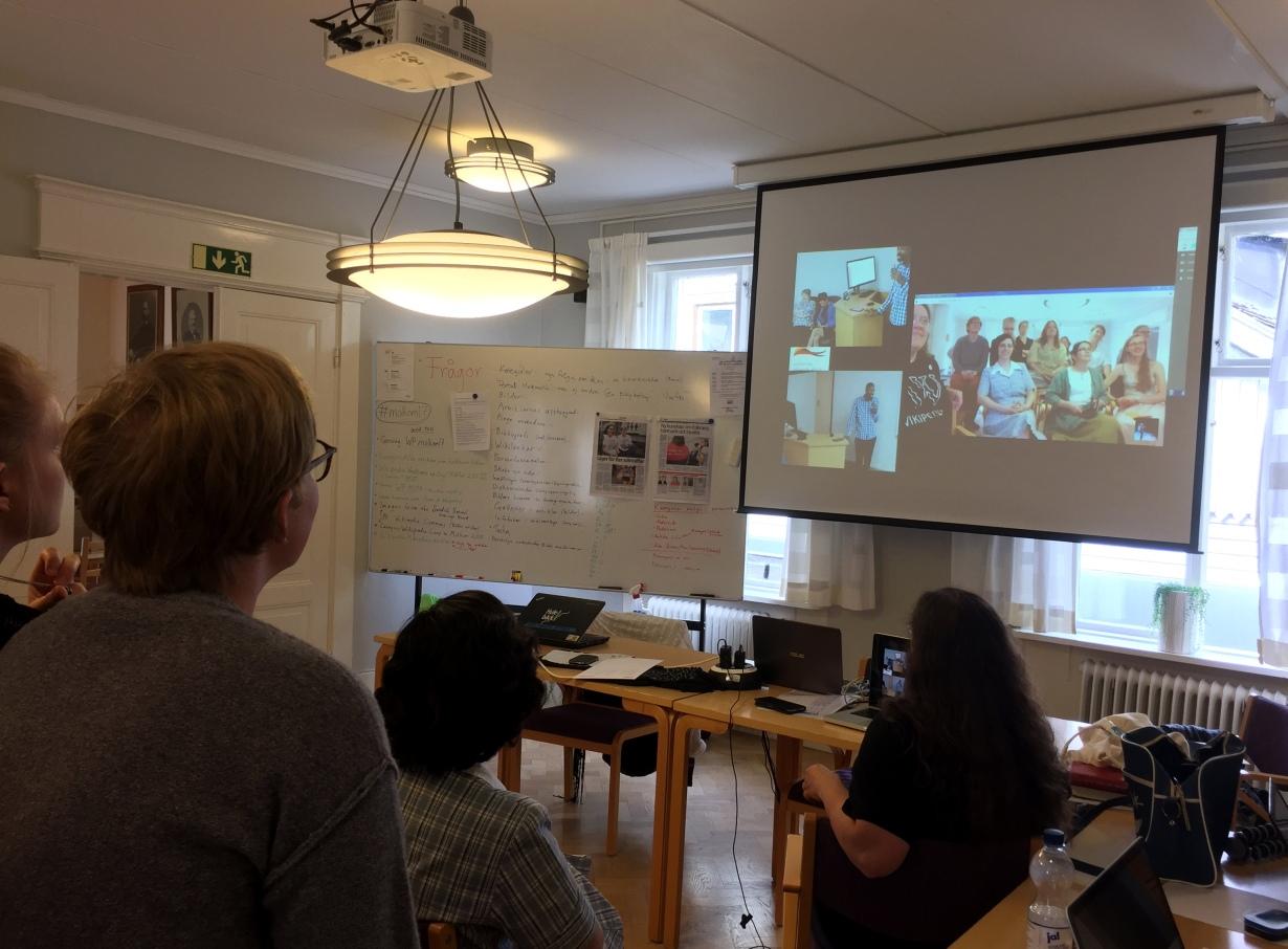 Pretoria och Molkom möts och delar erfarenheter via Google Hangouts. Foto: Audrey Lebioda CC-BY-SA 4.0.